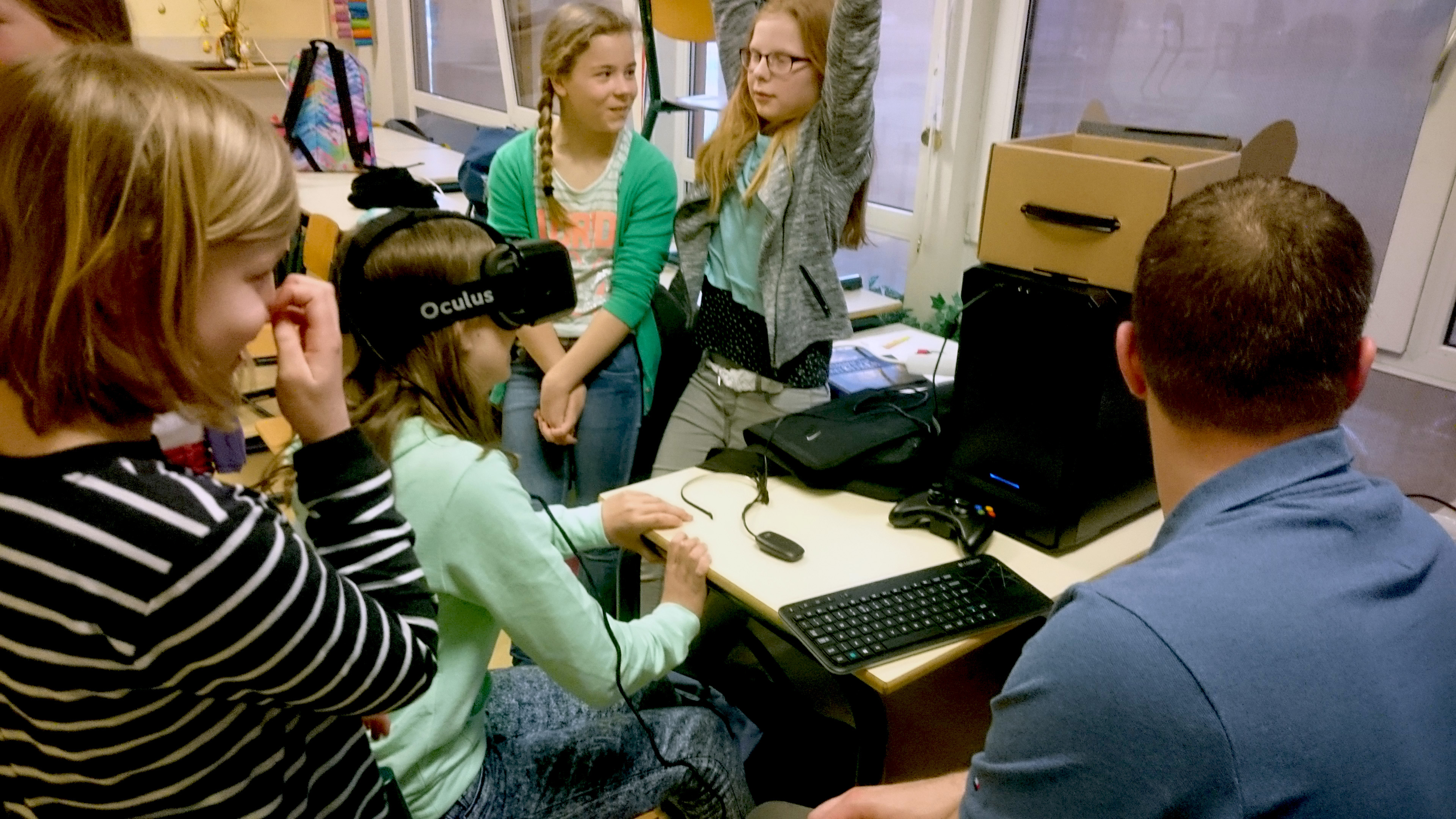 Kids inspireren in de wereld van Virtual- en Augmented Reality op Girlsday 2019